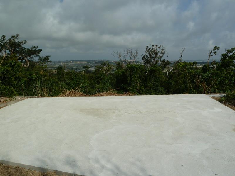 八重瀬町世名城 | 沖縄のお墓はテラゾーで